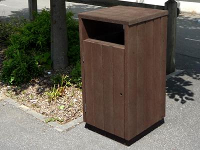 mobilier de propreté en plastique 100% recyclé